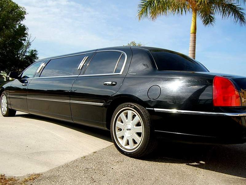 Black stretch Limo Fort Myers
